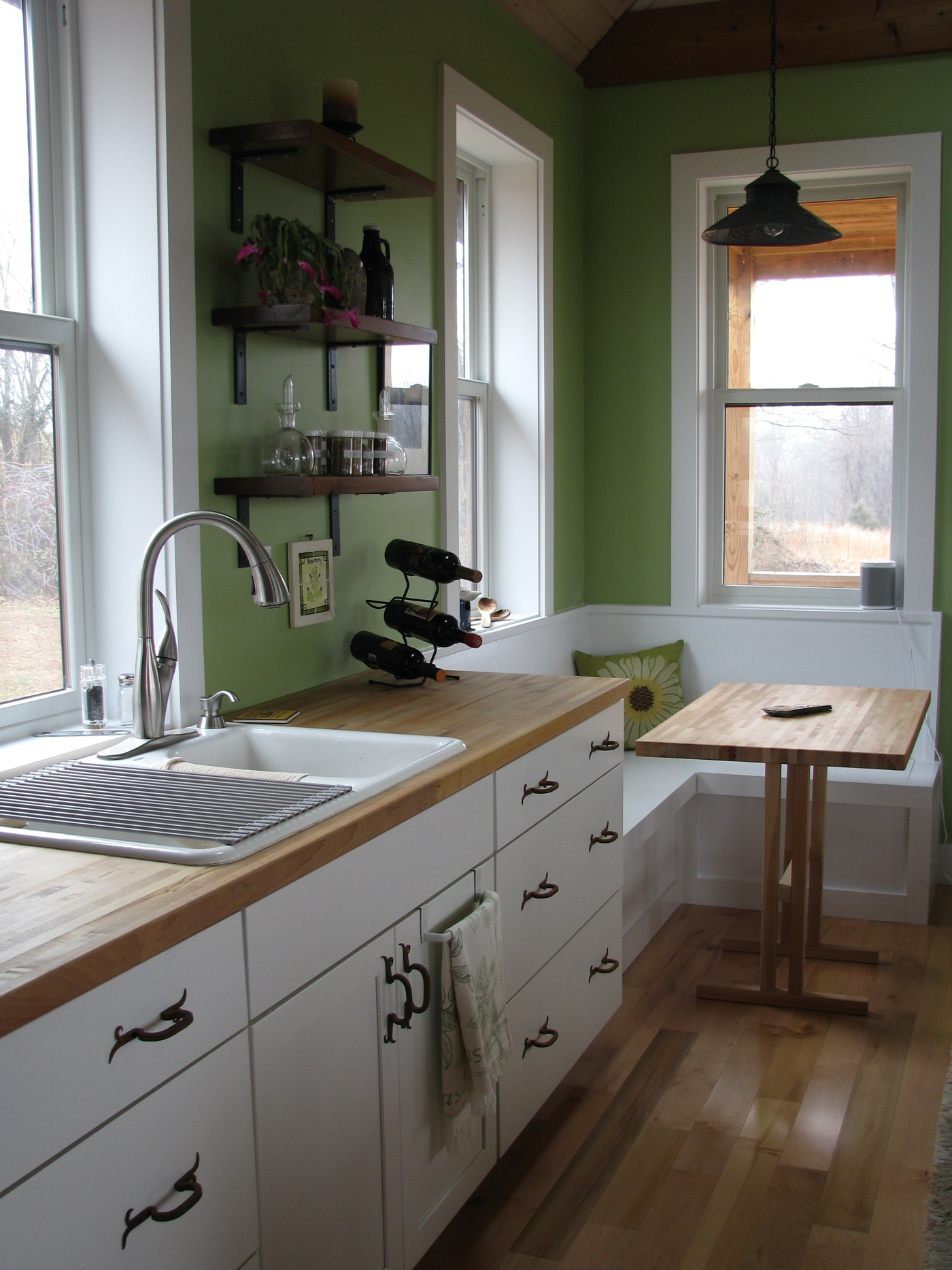 GuestHouse_WebsiteGallery_KitchenIMG_0399
